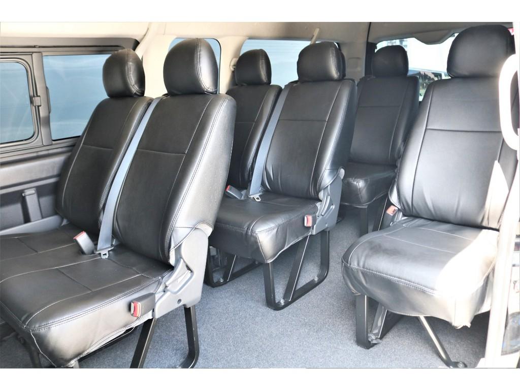 10人乗車ができるからお友達や家族とアウトドアや送迎のお車としても利用が可能ですよ!!