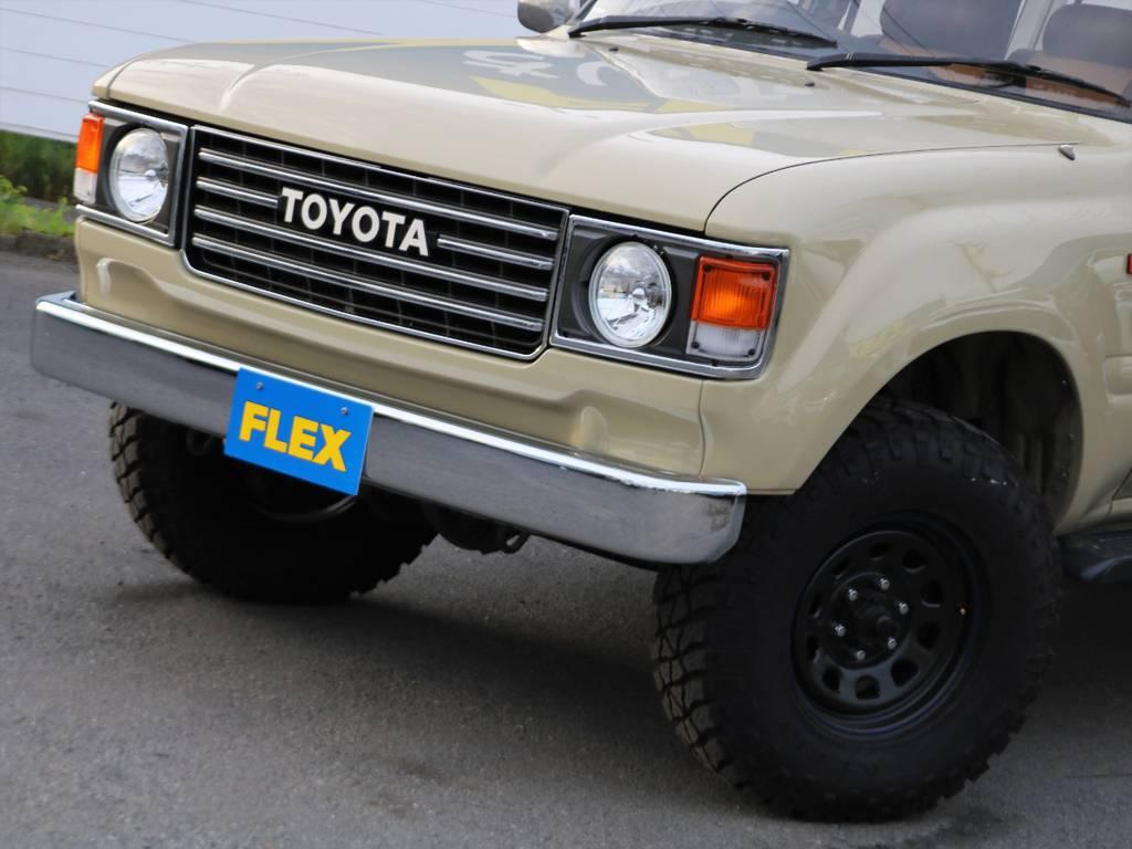 60系ランクルの丸目フェイスでクラシックな佇まいです★ヘッドランプのみならず、ボンネットと左右フロントフェンダー、バンパーも交換済み!!ボンネットは鉄製なので高速走行も安心して頂けます♪ | トヨタ ランドクルーザー80 4.5 VXリミテッド 4WD FLEX Renoca