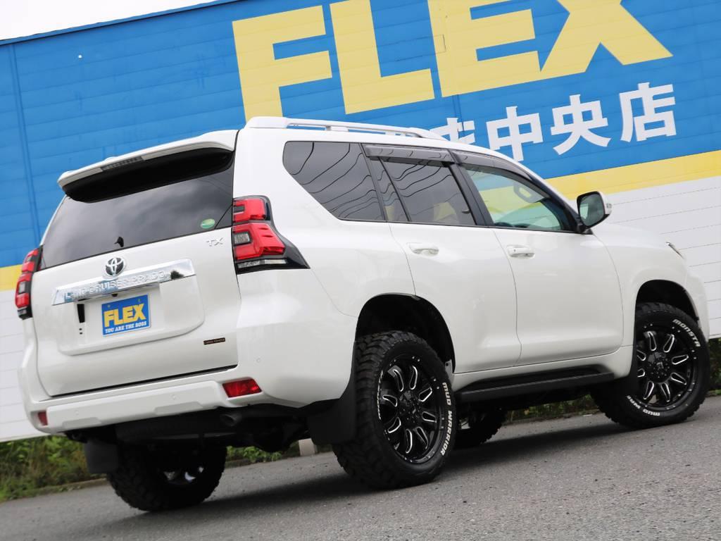 | トヨタ ランドクルーザープラド 2.8 TX ディーゼルターボ 4WD 5人乗り 9インチナビ 20インチホイル