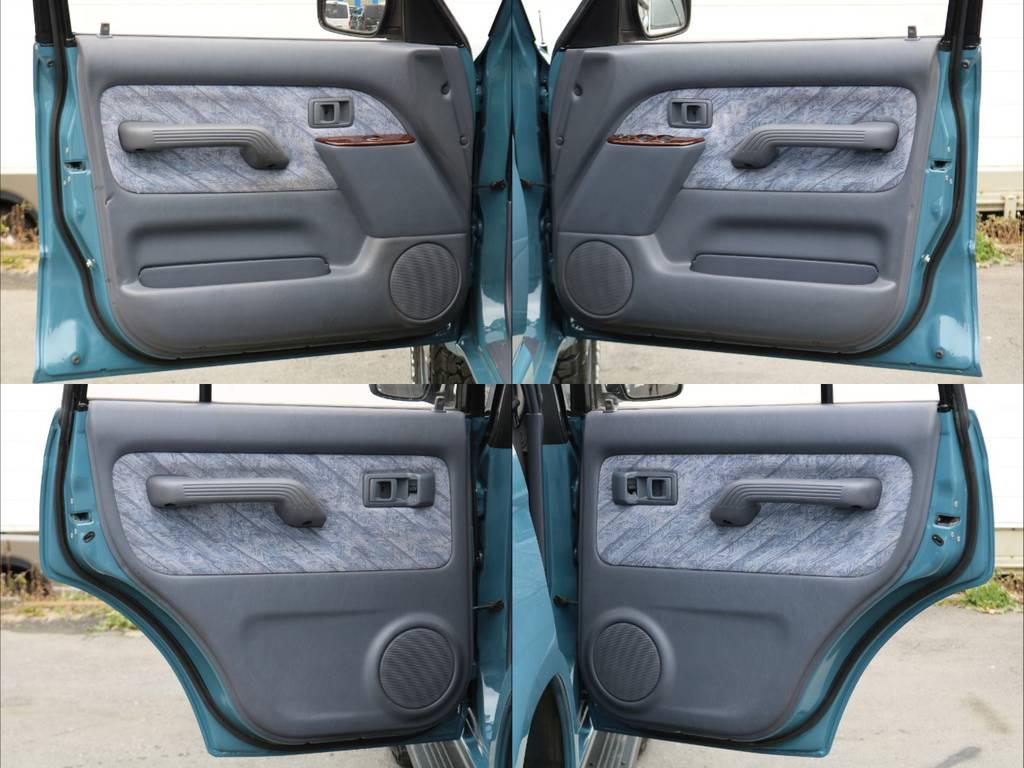 傷付きやすい内張もご覧の通り綺麗です! | トヨタ ランドクルーザープラド 3.4 TZ 4WD サンルーフ Wエアコン タイベル換済