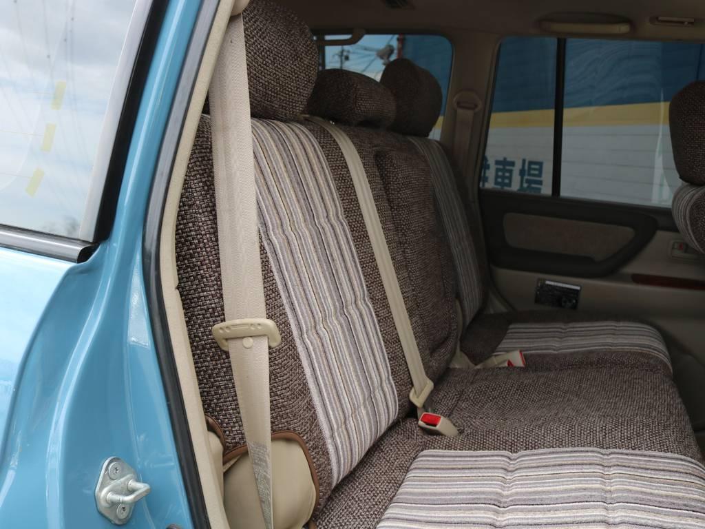 シートカバーも他のお店にはない、オシャレなシートカバーです!!   トヨタ ランドクルーザー100 4.7 VXリミテッド Gセレクション 4WD