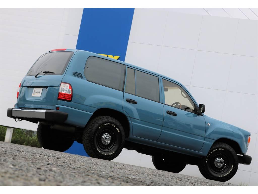 掲載されているお写真や情報だけではお分かり頂けないことはありませんか!?どんな些細なことでも、この車両を詳しく把握している、ランクル専任担当の宇津木・高橋・東海までお気軽にお問い合わせください(^^♪   トヨタ ランドクルーザー100 4.7 VXリミテッド Gセレクション 4WD