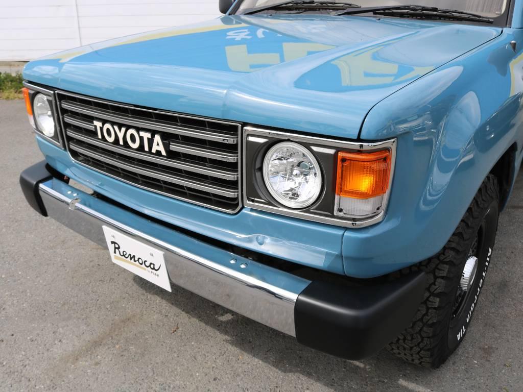 フロントバンパー、銀メッキ仕様。   トヨタ ランドクルーザー100 4.7 VXリミテッド Gセレクション 4WD