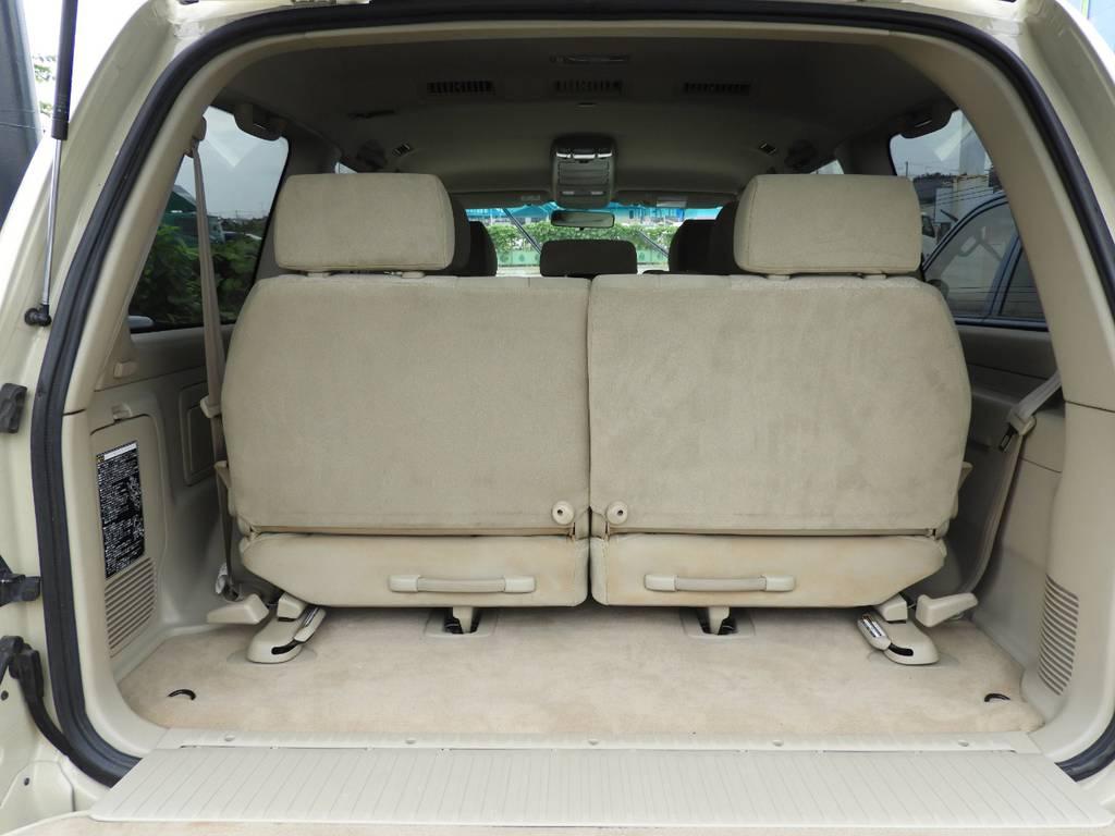 必要なときに三列シートにするのも一つの手ですね! | トヨタ ランドクルーザー100 4.7 VXリミテッド 4WD Renoca【106】丸目換装