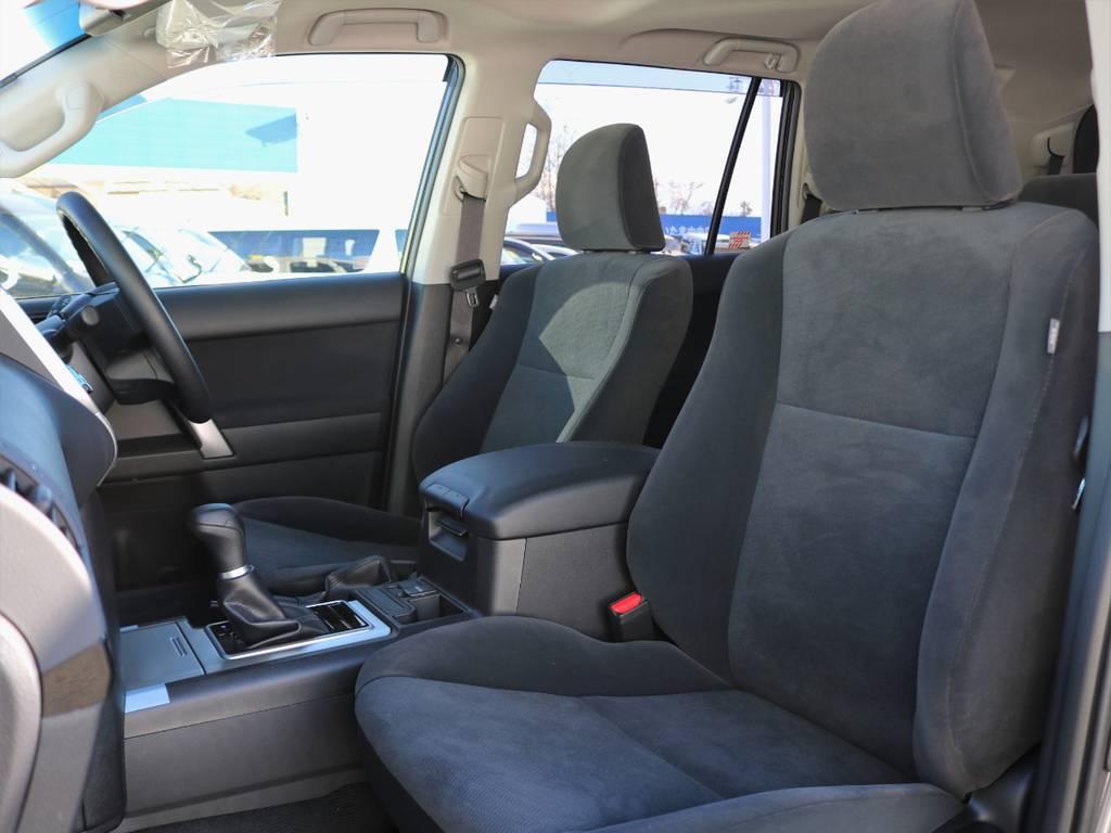 Wエアバッグ、サイドエアバッグを完備し、乗員の安全性に抜かりありません。家族や恋人など大切な方も安心してお乗せ頂けます!