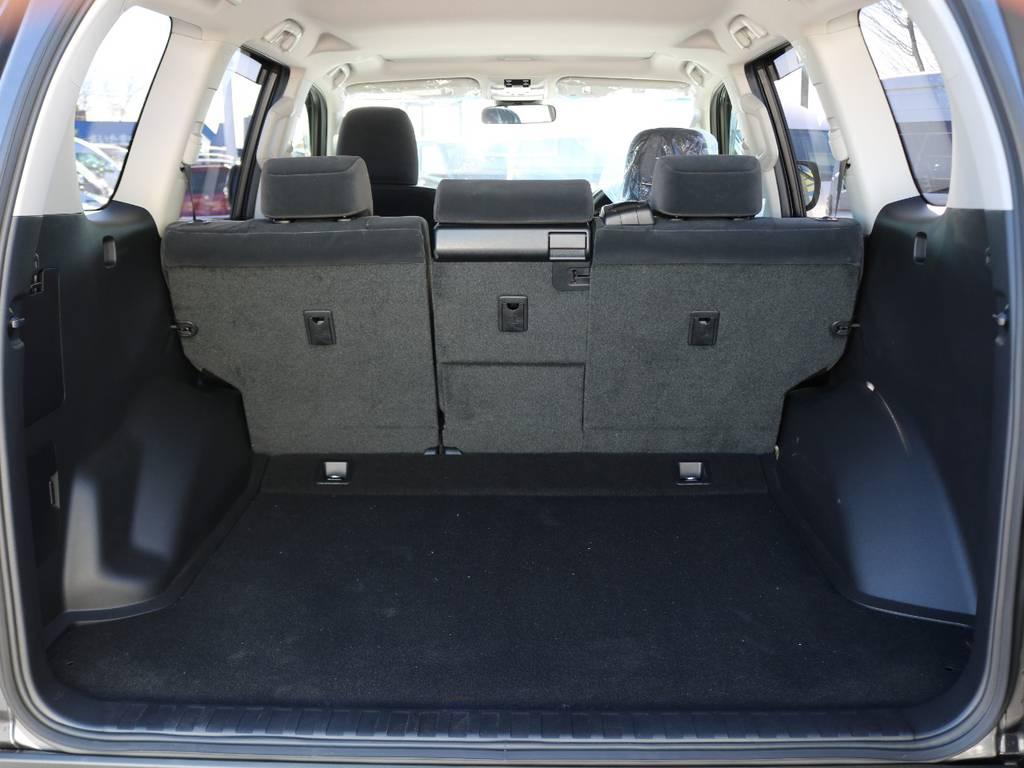 5人乗り車両には、現行SUV最大級の容量を誇るラゲッジスペースがございます。存分にご活用ください!