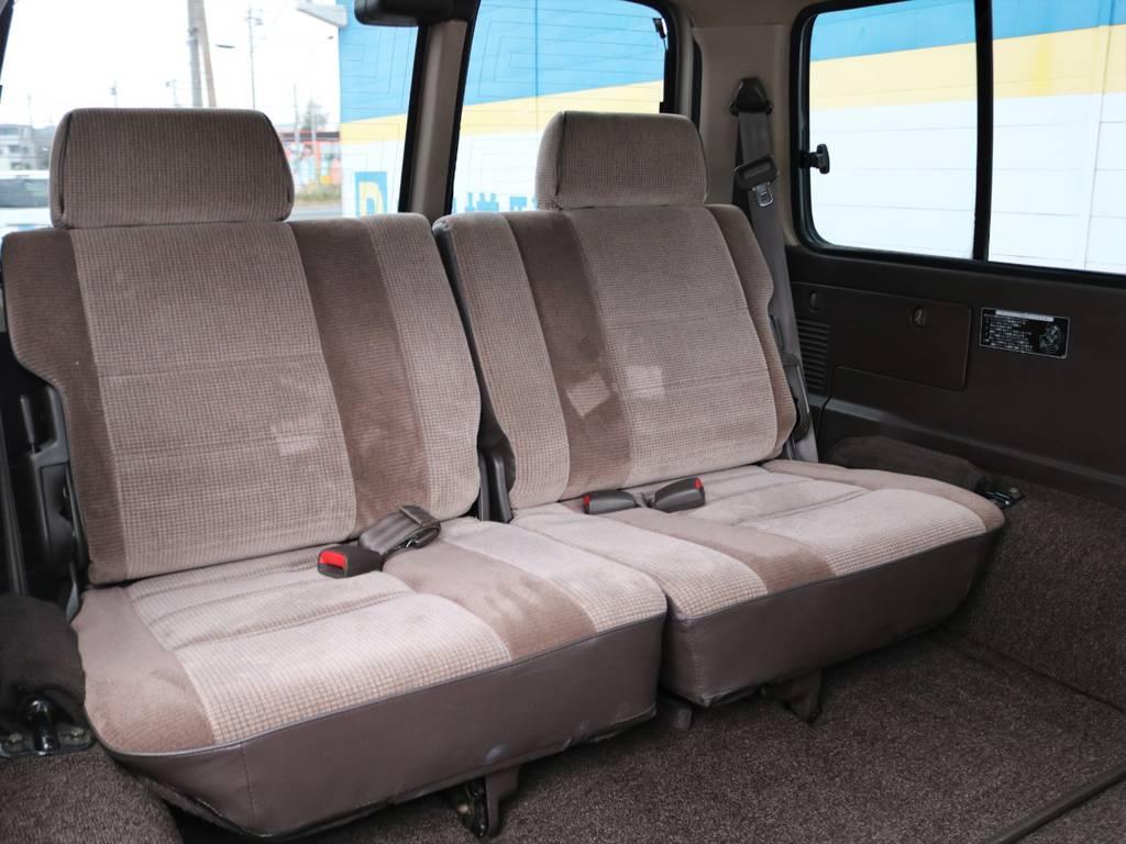 3ナンバー8人乗り車両になります!1ナンバー登録もお気兼ねなくご相談ください。   トヨタ ランドクルーザー80 4.5 GX 4WD 買取直販 観音リアドア