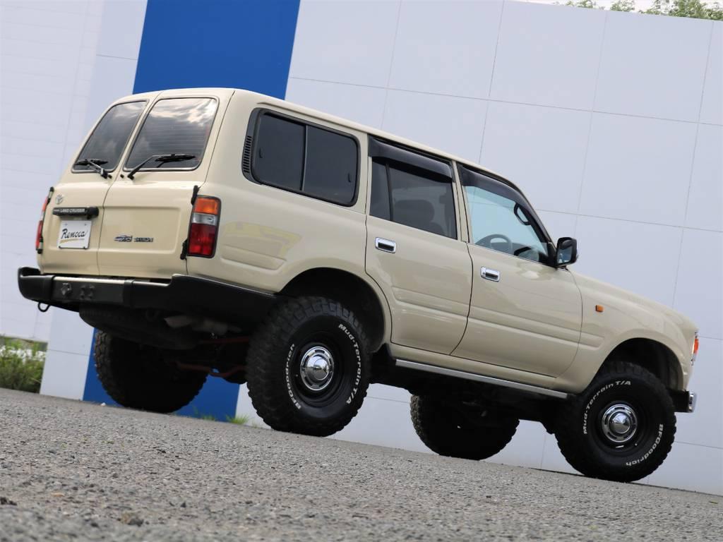 掲載されているお写真や情報だけではお分かり頂けないことはありませんか!?どんな些細なことでも、この車両を詳しく把握している、ランクル専任担当の宇津木・高橋・東海までお気軽にお問い合わせください(^^♪ | トヨタ ランドクルーザー80 4.5 GX 4WD 観音リアドア