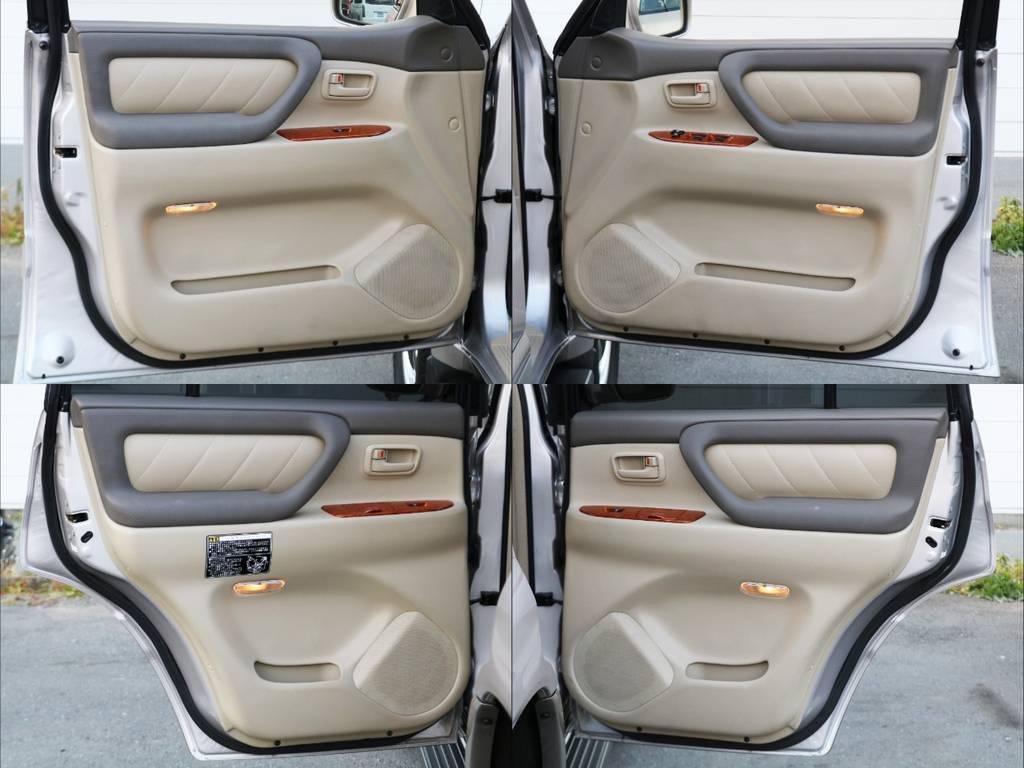 専門店ならではの厳選仕入れによる、良質な1台を皆様にお届けいたします。たとえ人気車種といえども、程度が悪ければ販売いたしません!クオリティーを最重要視しております。。 | トヨタ ランドクルーザー100 4.7 VXリミテッド Gセレクション 4WD 買取直販 低走行 地デジBカメ