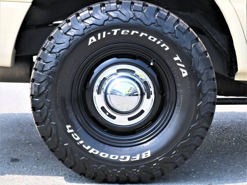 ホイールは新品のDEAN製アルミを装着!タイヤも同じく新品BFGoodrich製オールテレーンタイヤを装着しました。溝がしっかりとあるタイプのタイヤなので、ランクルの力強さを引き上げてくれます♪