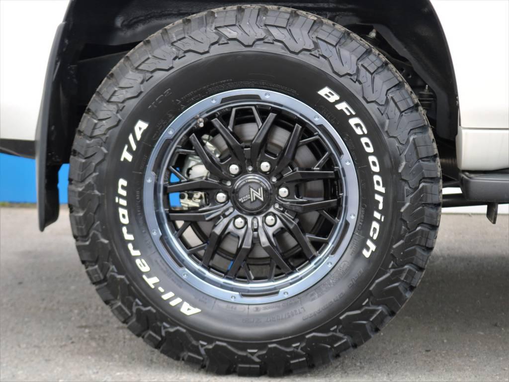 17インチアルミホイールは、当社オリジナルカラーリングです。 | トヨタ ランドクルーザープラド 2.8 TX ディーゼルターボ 4WD 7人