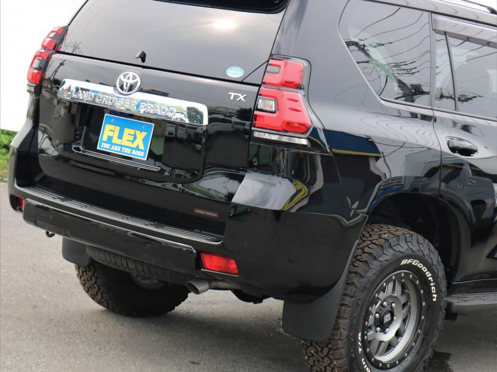 テールランプも色付きレンズに変わり、新型であることを主張しますね。寒冷地仕様車のためリヤフォグランプがバンパーに備わります!