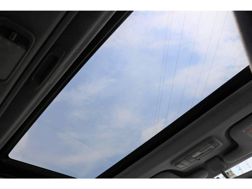 あると便利なサンルーフ付き♪夏でも冬でも瞬時に空気の入れ替えが出来ます。 | トヨタ ランドクルーザープラド 3.4 RZ 4WD