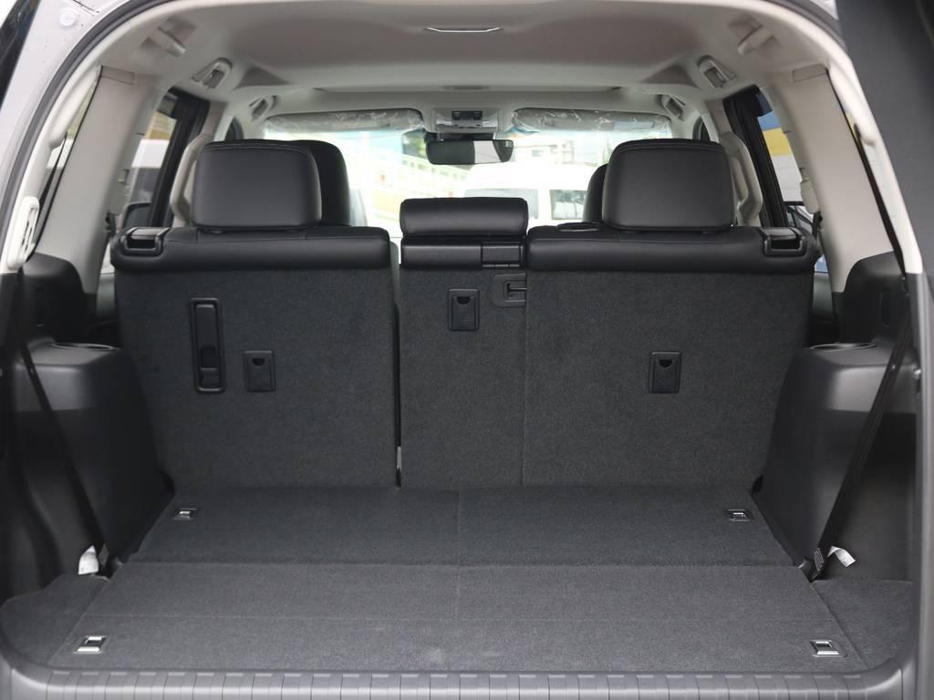 サードシート格納状態では、広々としたラゲッジスペースがありますのでお買い物やお出かけの強い味方になります! | トヨタ ランドクルーザープラド 2.7 TX Lパッケージ 4WD 7人