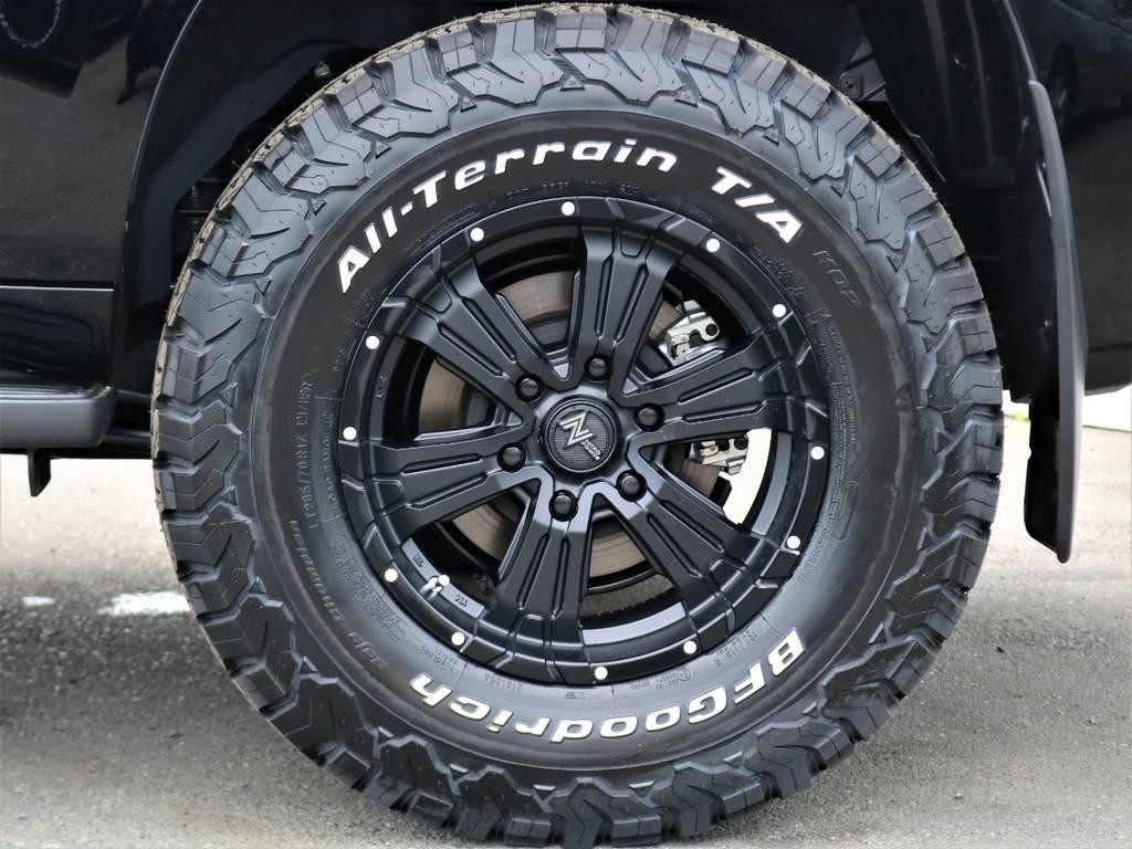 17インチアルミホイールは、当社オリジナルカラーリングです。その他、タイヤ・ホイール交換承ります!お気軽にご相談下さいね♪ | トヨタ ランドクルーザープラド 2.7 TX Lパッケージ 4WD 7人