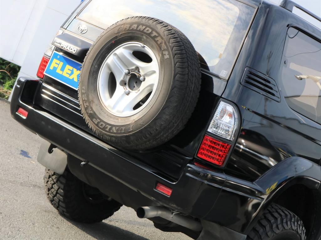 背面タイヤは純正の物が付いていますがこちらも換装可能ですのです!
