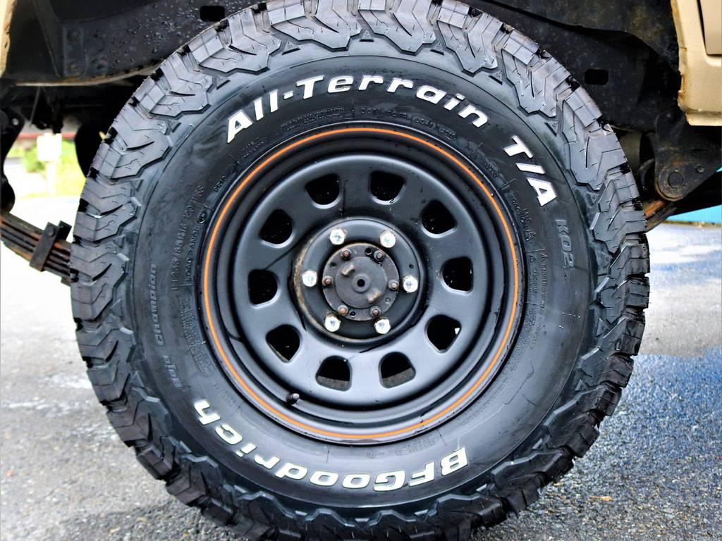 新品のタイヤとホイールを装着済み!タイヤはBF Goodrichのオールテレーンタイヤ♪