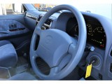 中古車でハンドルがスレていることが多いと思いますが、この車はスレが全くと言ってもいいぐらいないです♪