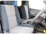 運転席、助手席共に破れやヘタレもなく綺麗な状態です♪各種シートカバーもご用意してますのでお気軽にご相談ください!!
