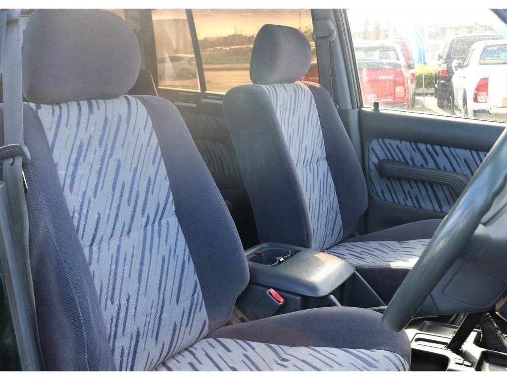 優しい座り心地で長時間のドライブもストレスフリーです!