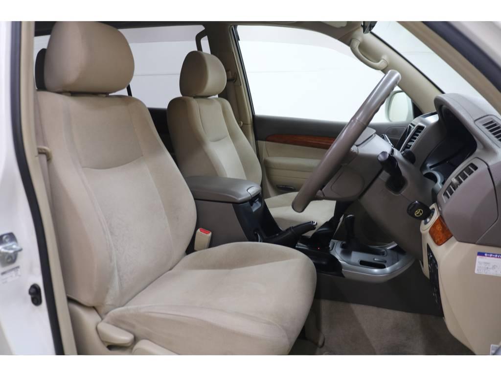 運転席/助手席ともに綺麗な状態が保たれております♪ | トヨタ ランドクルーザープラド 3.0 TXリミテッド ディーゼルターボ 4WD