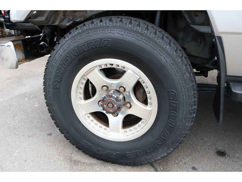 | トヨタ ランドクルーザー70 4.2 LX ディーゼル 4WD