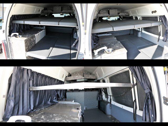 2段ベットで荷物も人も寝るにも休憩にも◎遮光カーテンも付いてます☆ | トヨタ レジアスエース 2.7 DX ワイド ハイルーフ スーパーロングボディ GLパッケージ 4WD キャンピングカー