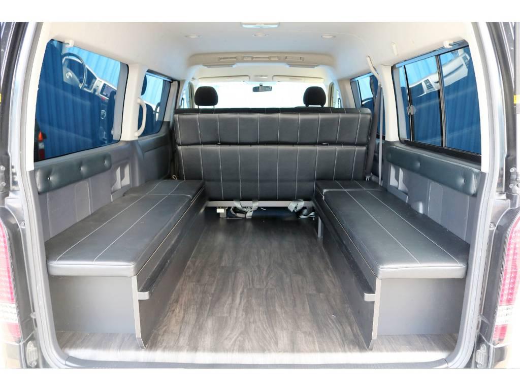 荷物も載りますね☆床張り施工も施しております! | トヨタ ハイエース 2.7 GL ロング ミドルルーフ 内装架装二の字ベット