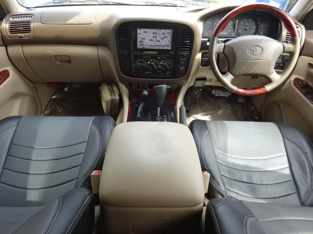 ナビはマルチレスなので最新型ナビをインストールする事も可能です!   トヨタ ランドクルーザー100 4.7 VXリミテッド 4WD セパンブロンズオールP 新品22AW