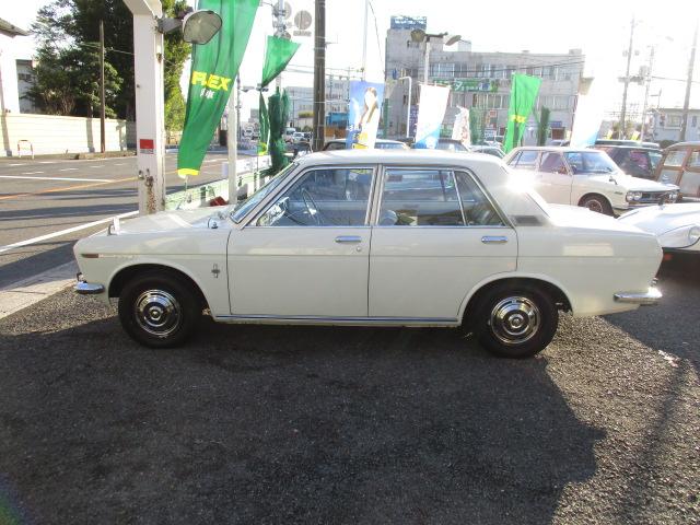 | 日産 ブルーバード 1300DX