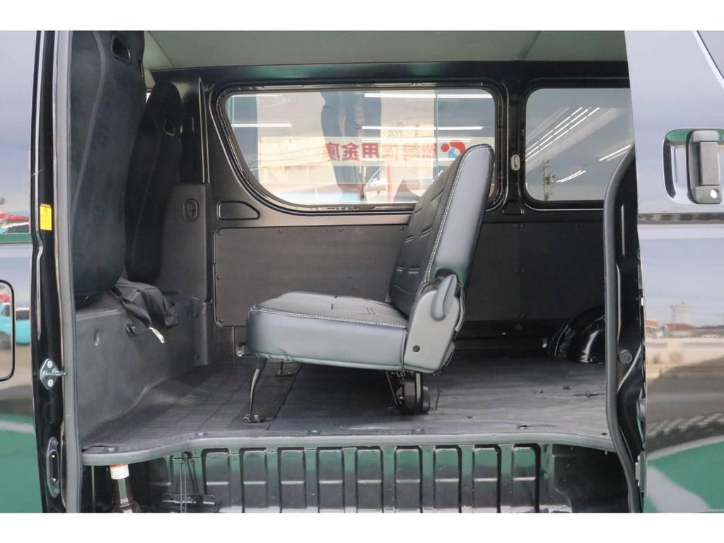 2列目三人掛けシート!   トヨタ ハイエースバン 2.0 DX ロング