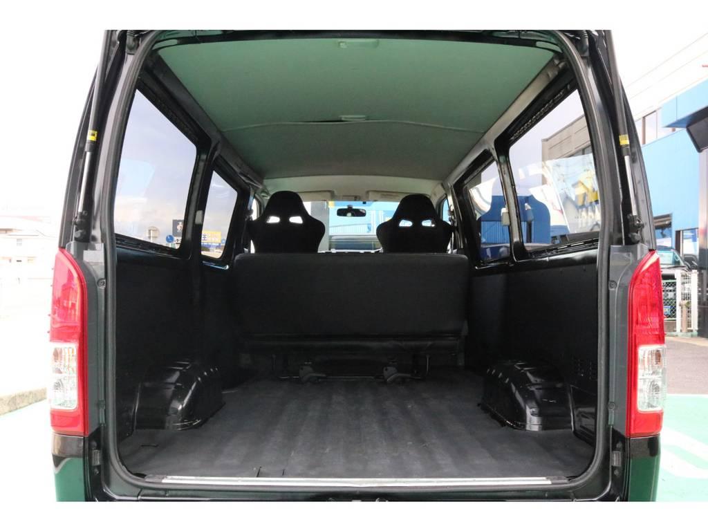 荷室も広いのでプライベートにもお仕事にも使いやすい車両です♪   トヨタ ハイエースバン 2.0 DX ロング