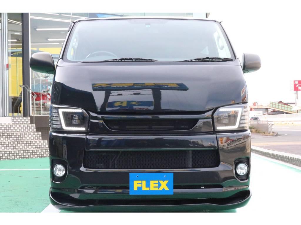 ワイドルックバンパー&グリルも黒く塗装済み!正面からもキマッております!   トヨタ ハイエースバン 2.0 DX ロング