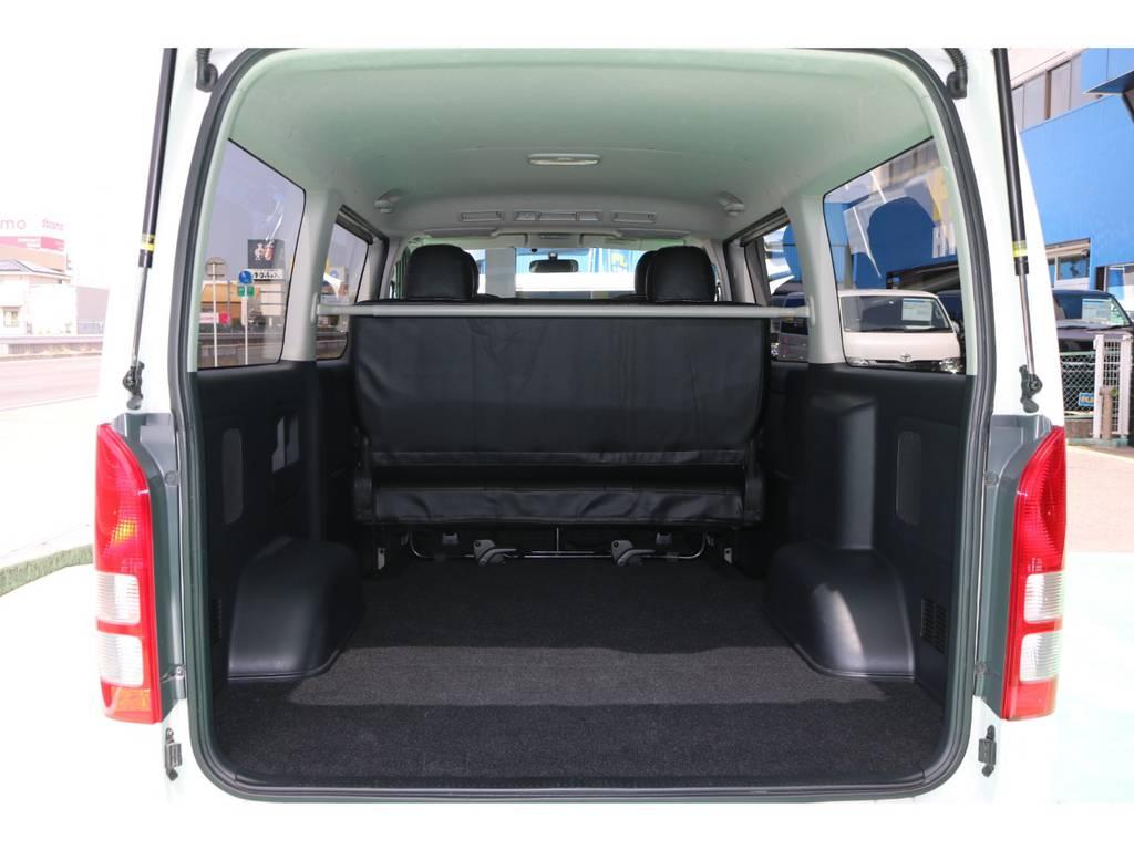 綺麗な荷室スペース♪お好きなベッドキットもお取り付け可能です♪ | トヨタ ハイエースバン 2.0 スーパーGL ロング