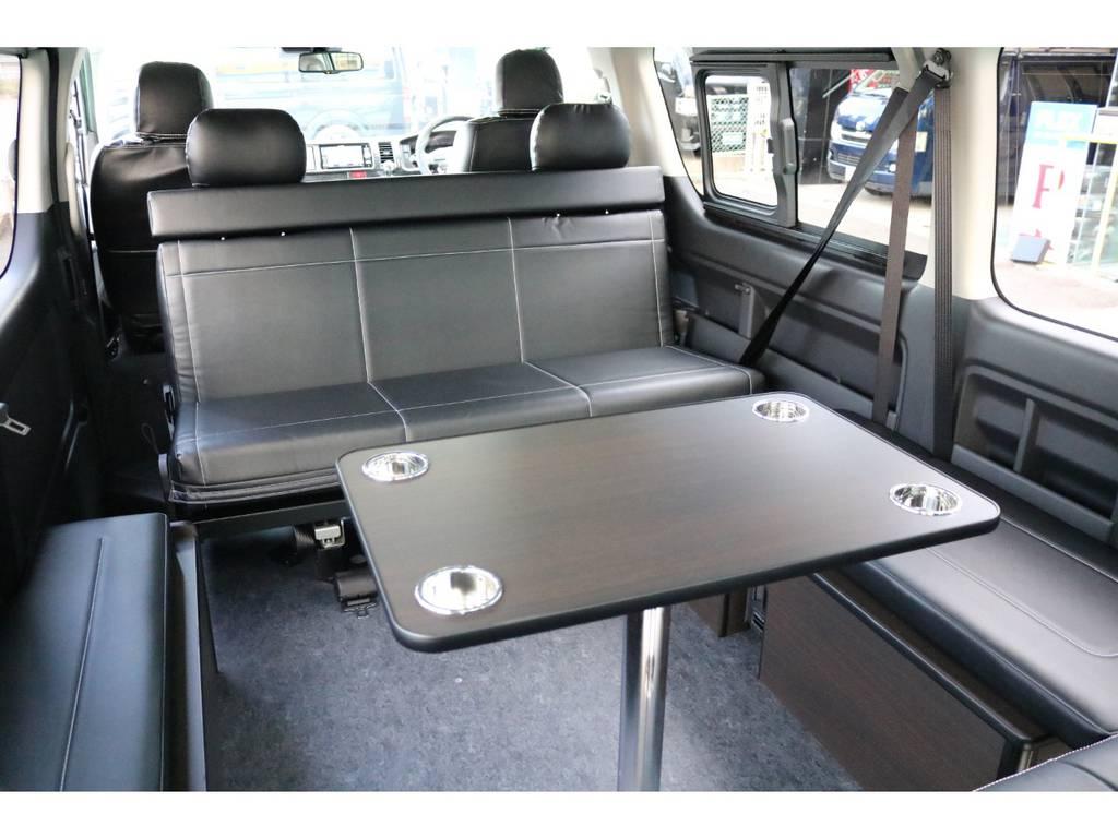 車内で軽食なども可能です♪   トヨタ ハイエース 2.7 GL ロング ミドルルーフ 4WD TSS寒冷地付アレンジAS