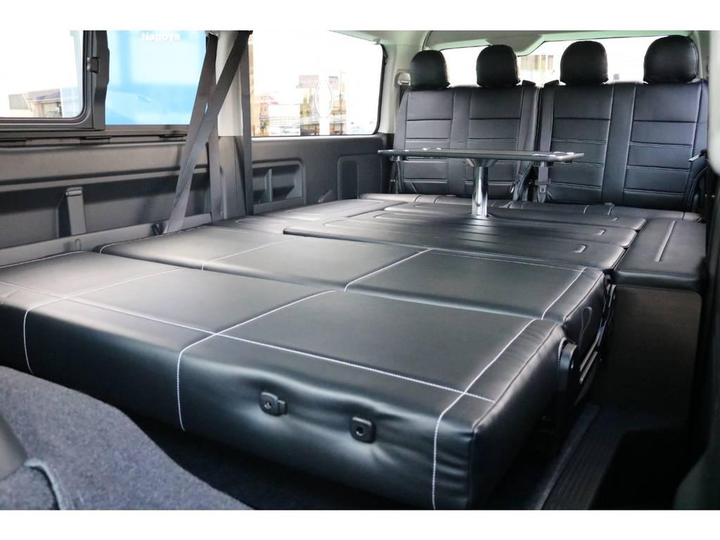 2列目をフルフラットにすれば広々とした寝室に!   トヨタ ハイエース 2.7 GL ロング ミドルルーフ 4WD TSS寒冷地付アレンジAS