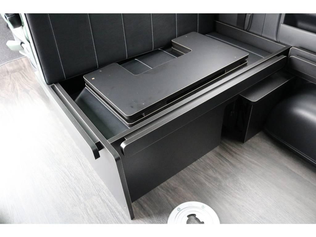 ベッドキッドの収納スペースもございます♪ | トヨタ ハイエース 2.7 GL ロング ミドルルーフ 4WD TSS寒冷地付アレンジR1