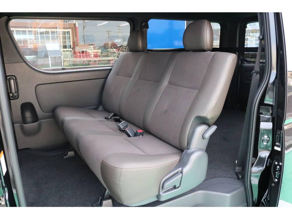 セカンドシートもハーフレザーシート♪   トヨタ ハイエースバン 2.8 スーパーGL 50TH アニバーサリー リミテッド ロングボディ ディーゼルターボ 50TH