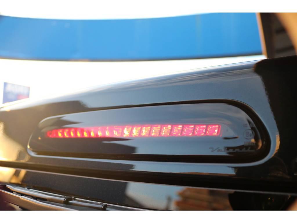 LEDハイマウントも装備♪ 印象がガラッと変わります!!   トヨタ ハイエースバン 2.8 スーパーGL 50TH アニバーサリー リミテッド ロングボディ ディーゼルターボ 50TH