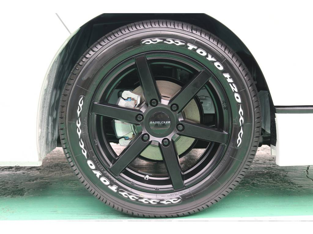 ホイールは根強い人気を持つ 415コブラ バッドラッカーをセレクトしました!! | トヨタ ハイエース 2.7 GL ロング ミドルルーフ TSS付