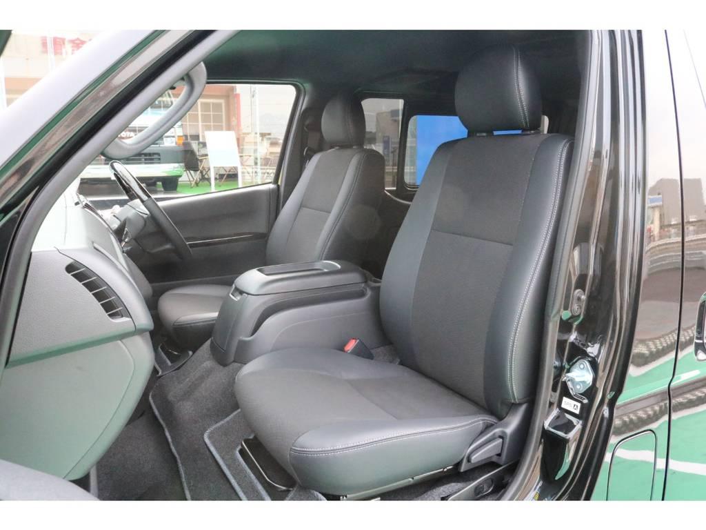 特別仕様車ダークプライムⅡ専用カラーのシートとなっております! | トヨタ ハイエースバン 2.8 スーパーGL ダークプライムⅡ ロングボディ ディーゼルターボ PS無