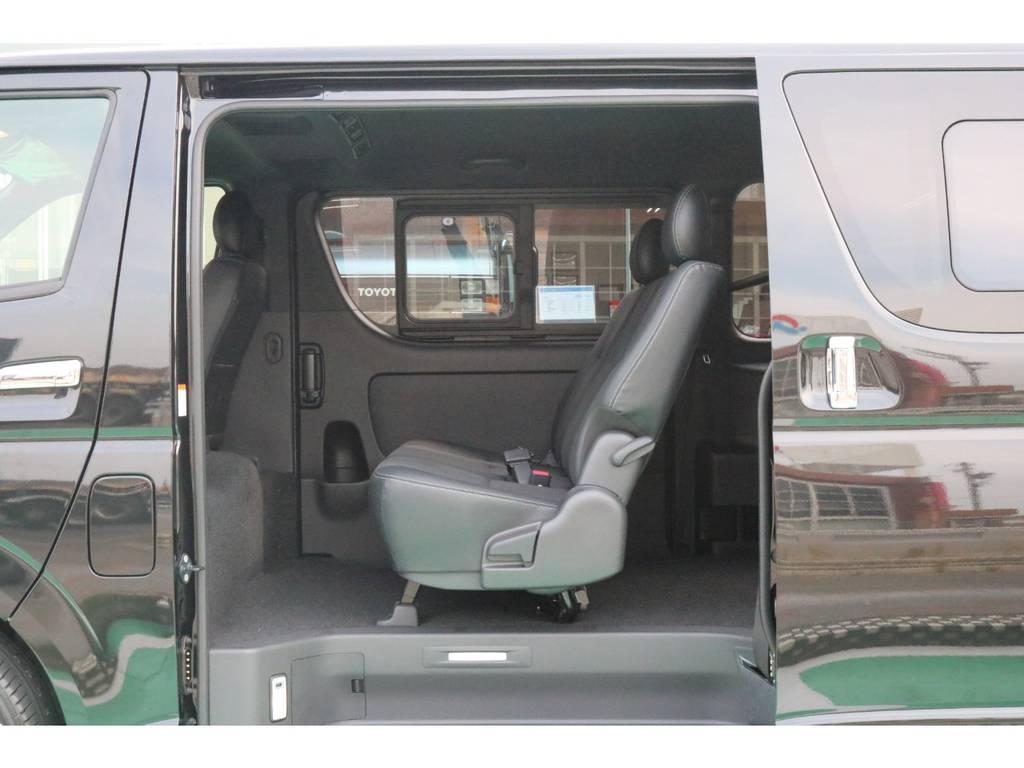3人掛けセカンドシート♪ | トヨタ ハイエースバン 2.8 スーパーGL ダークプライムⅡ ロングボディ ディーゼルターボ PS無