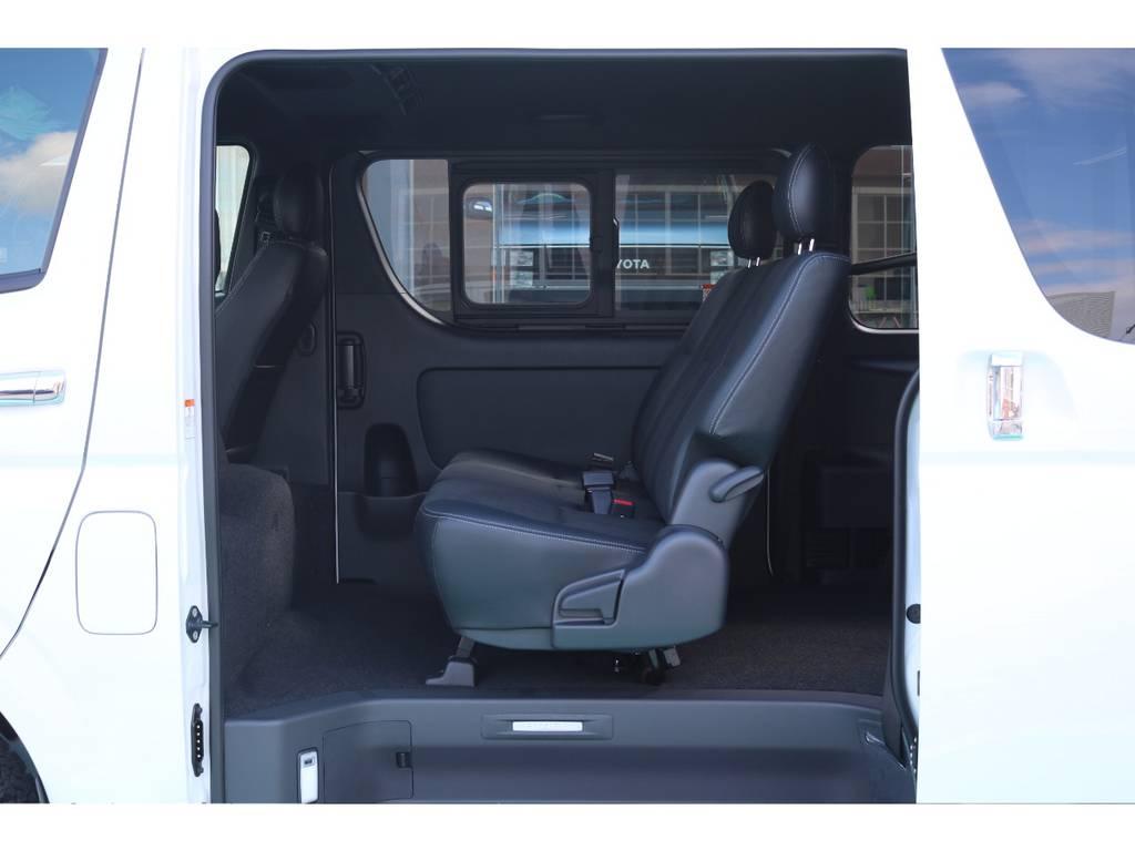 セカンドシートは3人定員です! | トヨタ ハイエースバン 2.8 スーパーGL ダークプライムⅡ ロングボディ ディーゼルターボ 4WD S無