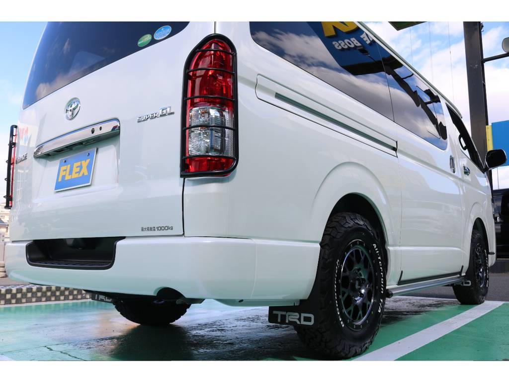 オフロード感を演出するテールガード!! | トヨタ ハイエースバン 2.8 スーパーGL ダークプライムⅡ ロングボディ ディーゼルターボ 4WD S無