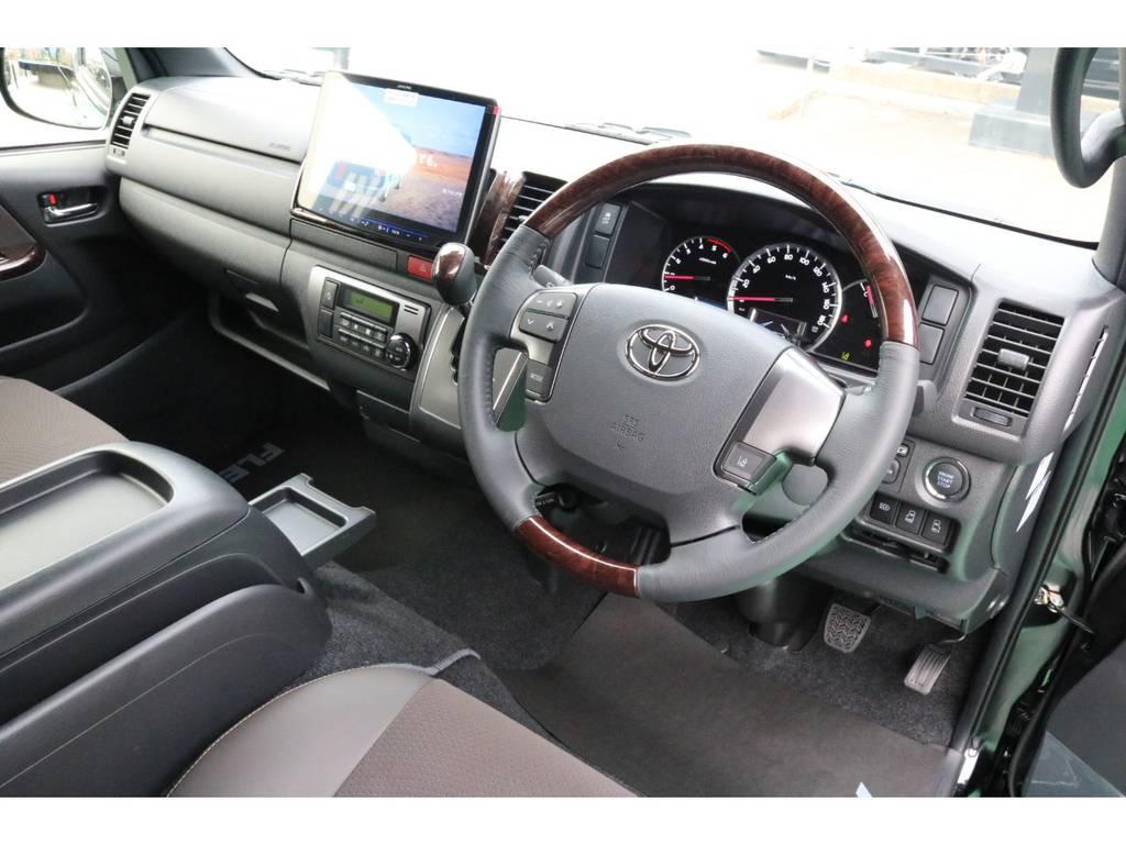 ブラウンを基調とした豪華な装い♪ | トヨタ ハイエースバン 2.8 スーパーGL 50TH アニバーサリー リミテッド ロングボディ ディーゼルターボ 4WD 50TH