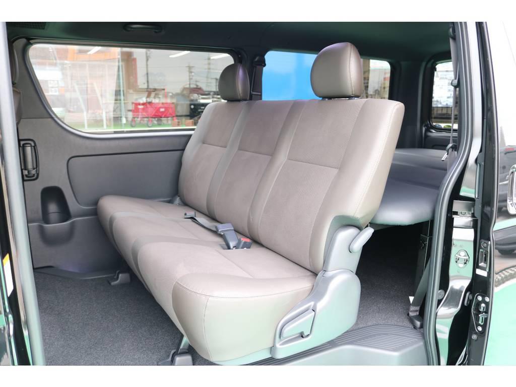 3人掛けセカンドシート♪ | トヨタ ハイエースバン 2.8 スーパーGL 50TH アニバーサリー リミテッド ロングボディ ディーゼルターボ 4WD 50TH