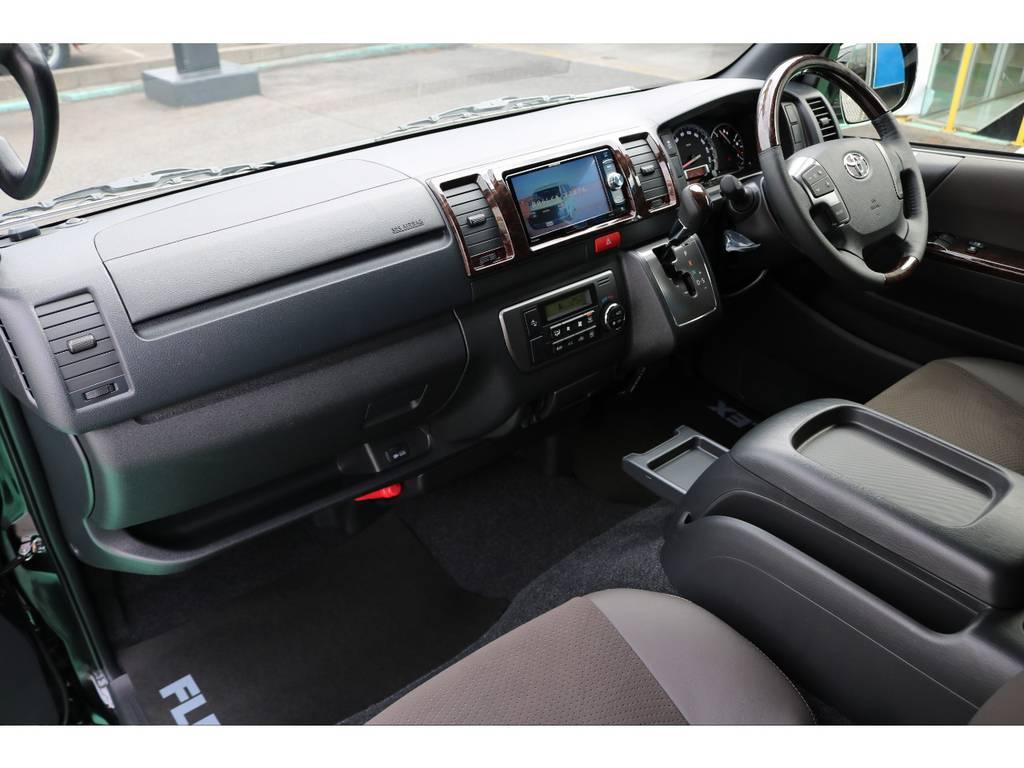助手席エアバック・AC100Vコンセントも完備♪ | トヨタ ハイエースバン 2.8 スーパーGL 50TH アニバーサリー リミテッド ロングボディ ディーゼルターボ 4WD 50TH