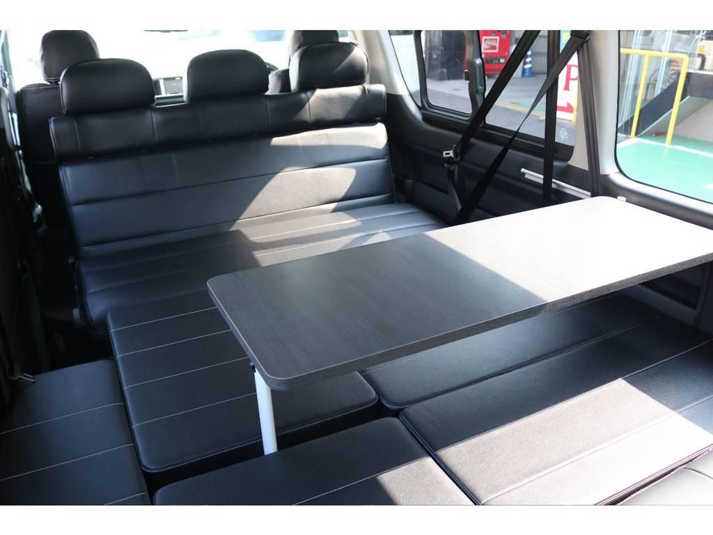 ベットとテーブルの両立が出来ちゃいます!!   トヨタ ハイエース 2.7 GL ロング ミドルルーフ