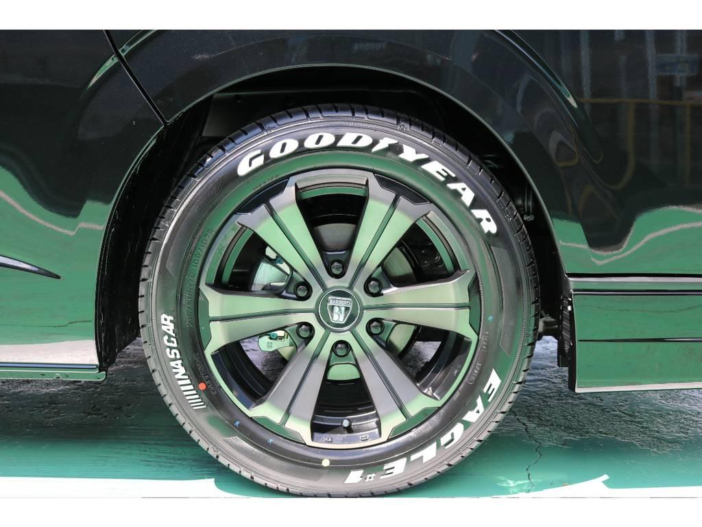 ホイールはFLEXオリジナルカラーのバルベロアーバングランデ17インチをセレクト♪ ナスカータイヤとの相性もバッチリです!