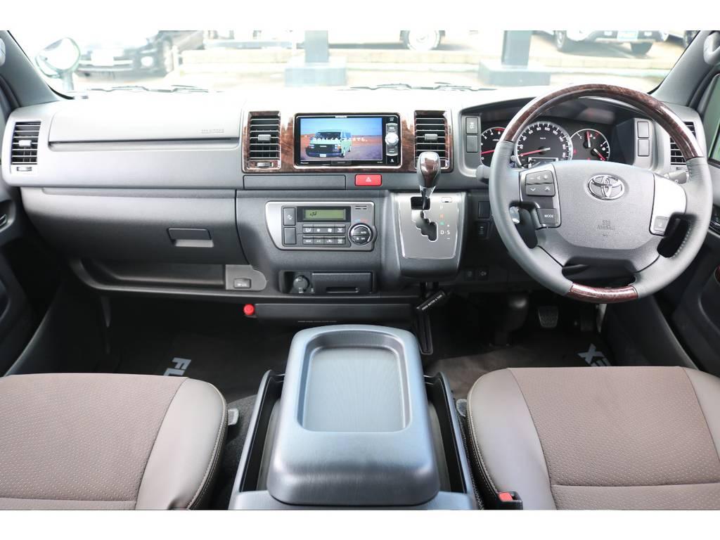 特別仕様車専用内装です! | トヨタ ハイエースバン 2.8 スーパーGL 50TH アニバーサリー リミテッド ロングボディ ディーゼルターボ 4WD 50TH